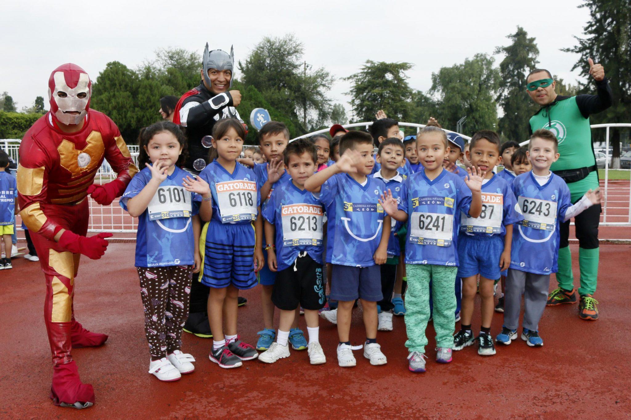 Disfrutan niños de la 5ta Carrera Infantil León Guiar 2017