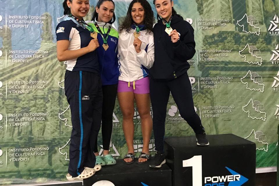 Regresan karatecas de Comude León con 13 medallas de Campeonato Serie R2 en San Luis Potosí