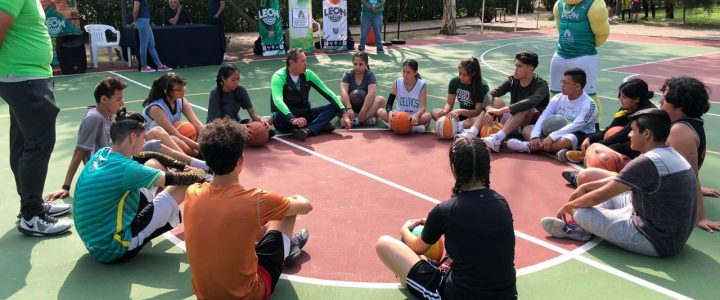 Comparte Academia Abejas experiencias a niños de Comude León